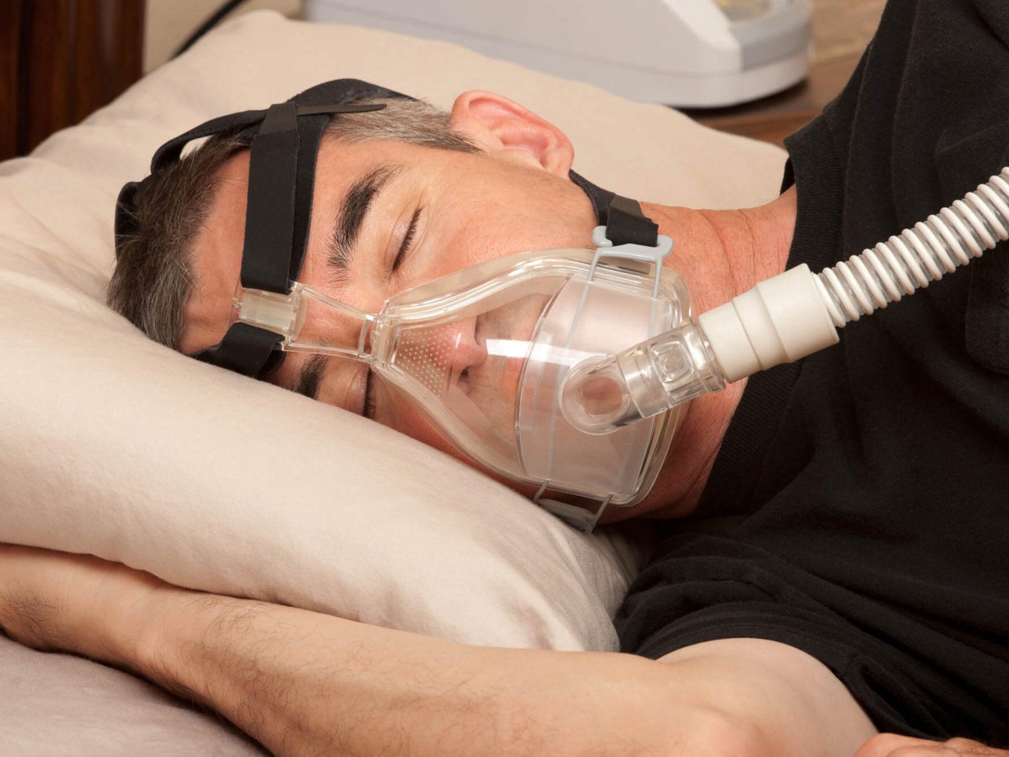 איך ירידה במשקל משפיעה על דום נשימה בשינה?